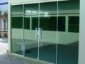 portas em vidro temperado verde.jpg