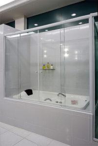 Box em vidro temperado incolor blindex para banheira